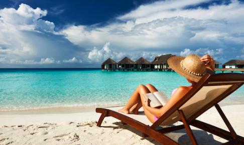 海辺で読書